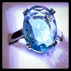 Ladies Aquamarine Ring